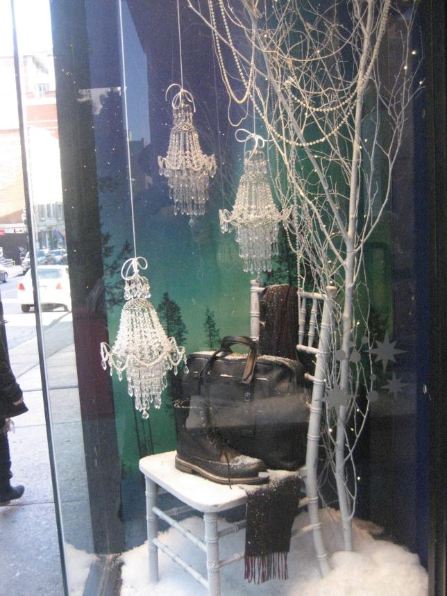 Window-Shopping-Holt-Renfrew-QC_4990