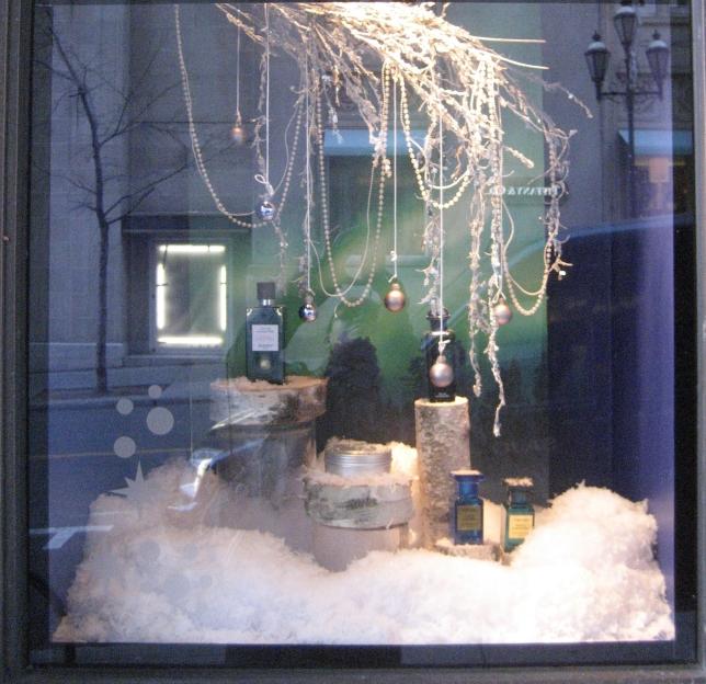 Window-Shopping-Holt-Renfrew-QC_4993