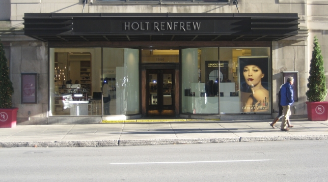 Window-Shopping-HoltRenfrewQC_4982