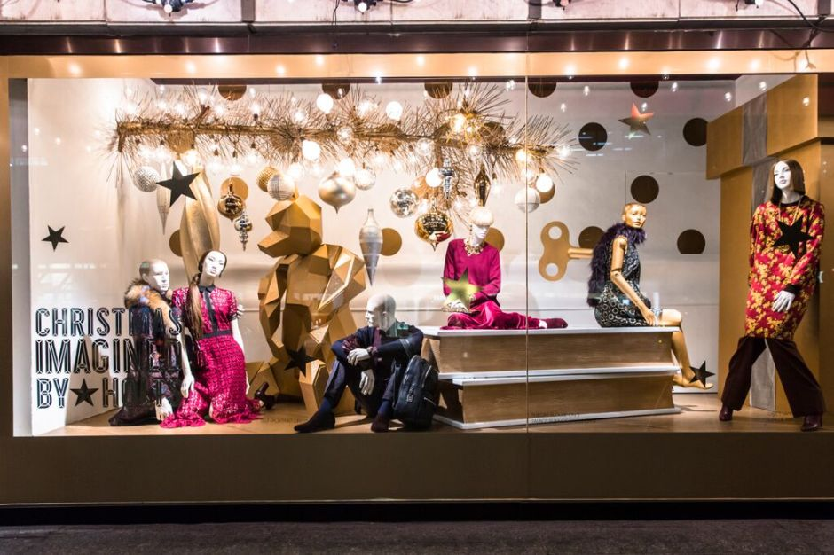 Christmas-Imagined-By-Holts-06