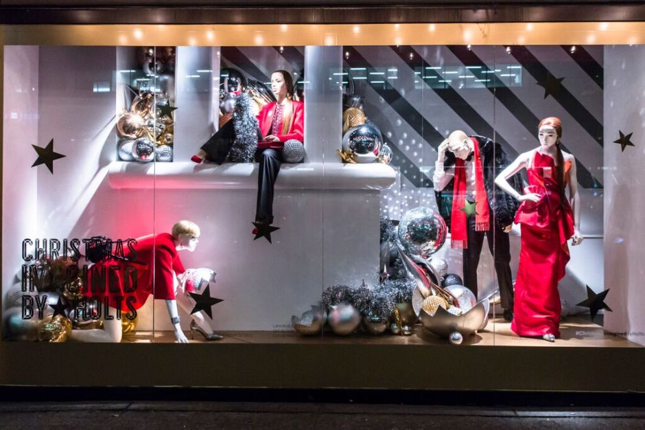 Christmas-Imagined-By-Holts-07